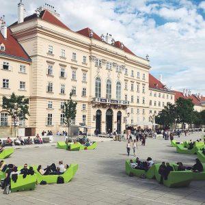 #ohvienna 🙌🏼😌 MQ – MuseumsQuartier Wien