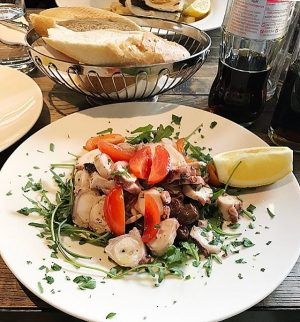 🍅#salad#octopus Umarfisch Am Naschmarkt