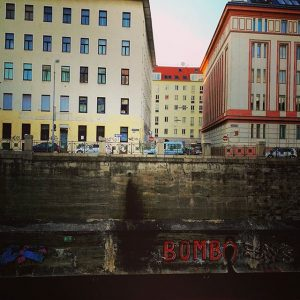 #wiental #wienstagram #wienstyle #wien #wienerstrassen #wienfluss #mariahilf #vorstadtmelancholie #vienna🇦🇹 #viennagram #viennastyle #viennacalling