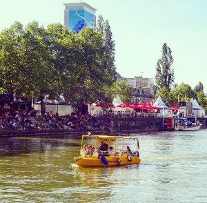 Wassertaxi. #donaukanal #donaukanaltreiben #danube #wien #vienna #event #boat #taxi #igersaustria #igersvienna #party #outdoors #city #mycity #urban #urbanlife...