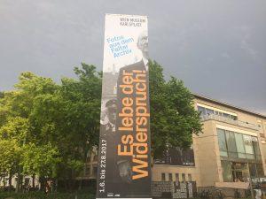 Hingehen, anschauen, rausholen lassen! #falter #wienmuseum #eslebederwiderspruch