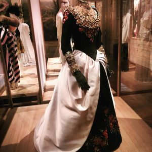 #THEBEST #weddingdress i have ever seen - #QuiALeDroit by #ChristianLacroix At the #Vulgar #exhibition in #Winterpalais #Vienna...