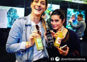 YEAH, unsere personalisierten Drinks im @mqwien / @downtownvienna im Einsatz. Hier zu sehen ...