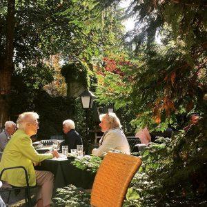 feeling gemütlich and pensionistisch Gartencafé
