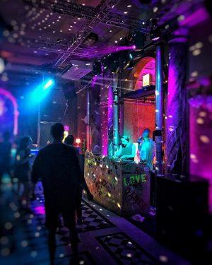 dancing ... #dancing #dancingboy #letsdance #impulstanz #festival #fm4 #radio #yeah #groovy #inmood #inmotion #sound #tunes #canyoufeelit #listen...