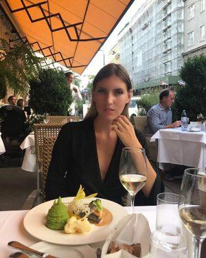 Когда желать себе перемен совсем не хочется ✨#счастье #любовь #birthday #happy #love #austrianfood  #goodrestaurant Skopik & Lohn
