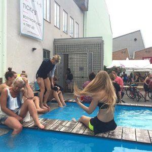 Great times at Impulstanz 2017 🎊🎉😄☀️🏄🏊👙💃 #impulstanz2017 #impulstanz #impulstanz17 #vienna #dance #dancers #dancelife #summer #fun #passion #love...