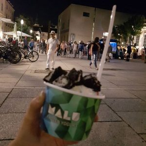 #frozenyogurt in #Mo Best of #thebest #Malu is my big love Very good at 9 p.m.😂😂😂 MQ...