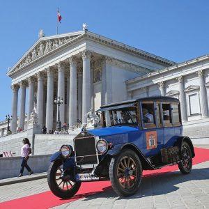 Da kommen Oldtimer-Fans aus dem Staunen gar nicht mehr heraus – Samstag starteten die Vienna Classic Days...