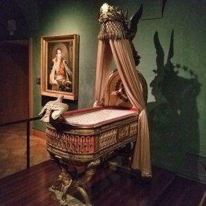 Когда за твоей кроваткой с самого рождения прячется страшный барабашка. #vienna #hofburg Imperial Treasury, Vienna