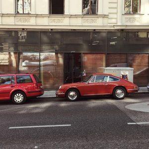 In the mood for something fancy. #viennamood #912 #porscheclassic #porsche #gumpendorferstrasse #6terbezirk #mariahilf🙏🏻 #vienna #wien #wienstagram #wonderlustvienna...