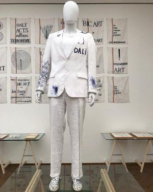 #austria #vienna #costume #bic #art by #janfabre at #leopoldmuseum #blue and #white