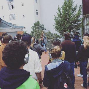 Beim FM4 #WalkingConcert mit @caricarimusic 🎧 🎶 💚 #igersaustria #igersvienna #igersgruene #CariCari MQ – MuseumsQuartier Wien