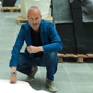 #houseattack21 Erwin Wurms Performative Sculptures on display until 10 September @21erhaus #erwinwurm #exhibition #performative #sculptures #art #contemporary...