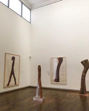 04.09.17 | #johannisavramidis | #sculptures | #silhouettes | #abstracthumanart | @leopold_museum Leopold Museum