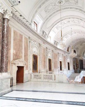 Can we move in? 🙌🏻 #imperial #openhouse #sisiundfranz #wien #igersvienna Neue Burg