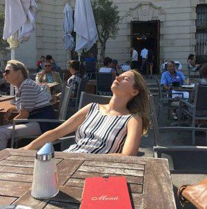 Catching last glimpse of sun. 😁 Belvedere Museum
