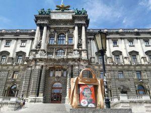 #architecture #building #neueburg #booklettasafari #bookster #book #bookletta #instabook #bookstagram #vienna #viena #wien #austria #travel #instatravel #travelstagram #byebyeroaming...
