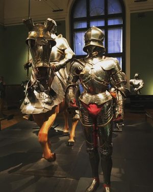 basically they covered every part but missed out the most important part...lol #armour #warrior Neue Burg
