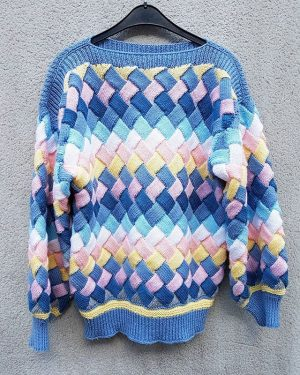 #woven #ribbons #patchwork #wool #woolsweater #polyklamott #vintageshop #1060wien #secondhandshop