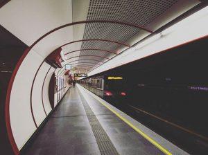 Zum Arzt - erstmals unterirdisch #wien #vienna #subway #ubahn #u1 #alteslandgut #Metro #underground #unterirdisch #Zug #train #Speed...
