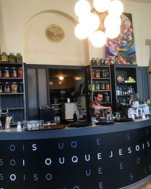 Arbeitsplatzverlagerung ins @rien_wien! Mit Kaffee und Kuchen geht alles viel leichter! 😋☕️🍰#mittwochschnittwoch #happynachmittag #rien #pläneschmieden #gretchenmoments #app...
