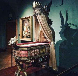 Грандиозный пример французского ампира в венской сокровищнице, 🌟🌟🌟колыбель-трон для единственного официального новорождённого сына Наполеона от австрийской Марии-Луизы...