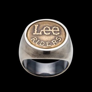 Buttonring #lee #selvage #button #highjewelry #jewelry #jewellery #ring #silver #gold #fine #selvedge #artisan #luxury #custom #art #blingbling...