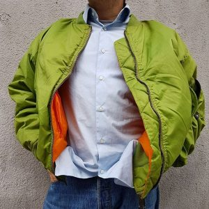💚We are in love with this super cool bomber jacket 💚 #bomberjacket #green #jacket #vintage #secondhand #polyklamott...