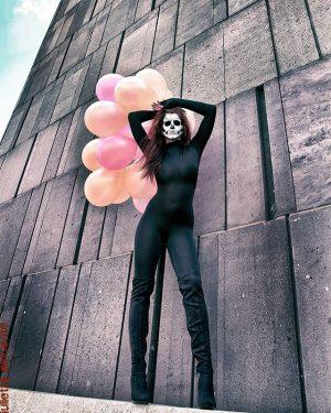 - HorrorStory- @sabrina_vanderwoodsen #museumsquartier #vienna #igersaustria #igersvienna #artsy #art #contemporaryart #photographylife #helloween #mask #makeup #airbrush #giuliettadelconte #overknees...