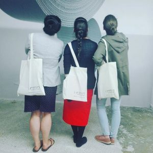 Sackerl! #sackerlgirls #jutesackerl #bags #alwinlay #schleifmühlgasse #gallery #merge #girls Unttld contemporary