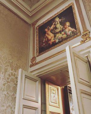 Das Winterpalais schließt seine Pforten & wir fragen uns beim vorbeischauen: Wieviel Gold verträgt eine Wohnung? Die...