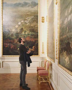 Fesche Museumsbesucher. . #palais #winter #wien #vienna #belvedere #history #gold #door #prince #home #homedecor #design #weekend #rich...