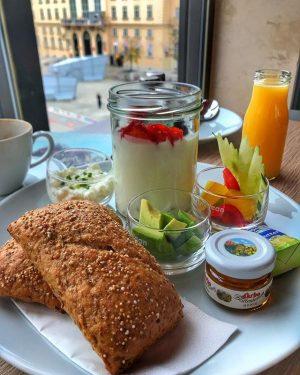 Gesund in die Woche starten 👌 #café #bar #restaurant #eventlocation #museumsquartierwien #art #leopoldmuseumwien #instadaily #instatravel #instafood #picoftheday...