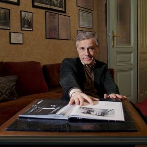The @sigmundfreudmuseum is raising funds and #christophwaltz is supporting us. Check out the fun and educational video...
