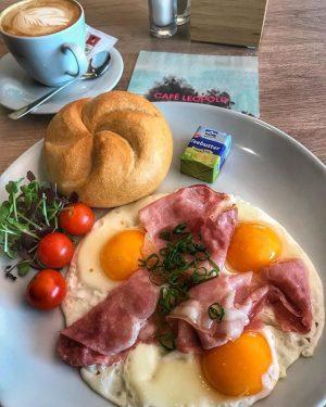 no words needed #breakfast 🤗👌 #café #bar #restaurant #eventlocation #museumsquartierwien #art #leopoldmuseumwien #instadaily #instatravel #instafood #picoftheday #instalike...
