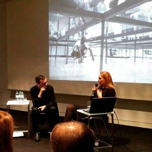 Susanne Pfeffer im Gespräch mit @nicolaus_schafhausen in der @kunsthallewien #biennale #deutscherpavillon2017 #susannepfeffer #curator #art #contemporaryart #productionhero #mustfindwine...