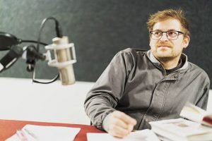 Journalist und Autor Thomas Weber im Studio. #thomasweber #biorama #oe1 #oe1gedanken #radiosendung #orfwiewir #studiogast #radio #autor #journalist...