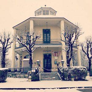 Winterwonderland #vienna #austria #schnee #letitsnow #happyday #xmasinvienna #restaurant #kaffeehaus