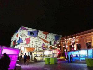 Люблю «многослойные» пространства!!! И музейный квартал - рай для моего глаза. Сразу вспоминаю ...