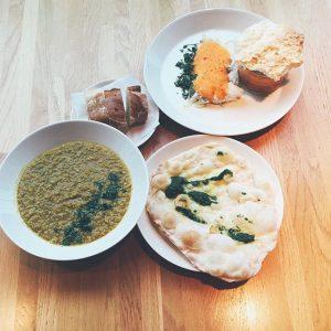 Business Lunch on monday! Zander im Ganzen in der Salzkruste gegart mit leichtem Paprikaschaum und Baguette |...