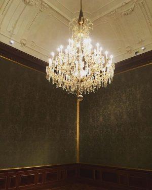 A cool chandelier at Prinz Eugen's Palais in the city center. #1000thingsinvienna #viennanow #secretvienna #streetsofvienna #wien #vienna...