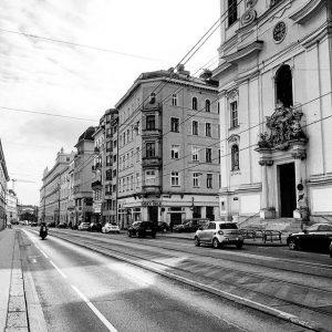 Vienna 😍 . #viennamelancholia . #wien #vienna #igerswien #igersvienna #igersaustria #austria #österreich #viennablogger #welovevienna #viennanow #church #vsco...