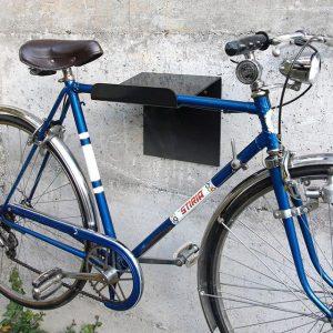 Vintage Stiria Bike . . . #bikeshit #bikelove #wallmount #bikerack #stiria #steelframe #eroica #retrostyle #wall #ihavethisthingwithbikes #concrete...