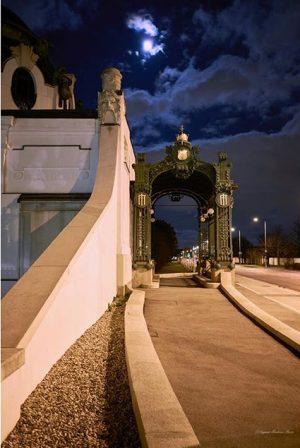 #vienna #schönbrunn #gloriette #night #light #color #photography #fujixpro2 #fujifilm #fujinon #35mmf2 #captureone #professionalphotographer #11 #ingmarflashaar Vienna, Austria