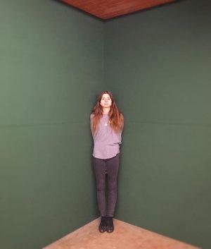 Cornered @ftreml #ausstellung #kunsthallewien #greenscreen #florianhecker #gurl #exposition Kunsthalle Wien