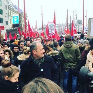 Demo gegen #schwarzblau #neujahrsempfang - zig-tausende sind gekommen #wienliebe Vienna, Austria