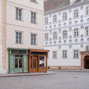 Klein. Aber oho. #franziskanerplatz #wien #kaffeehaus #vienna #austria #coffeehouse #kleinescafe Kleines Cafe