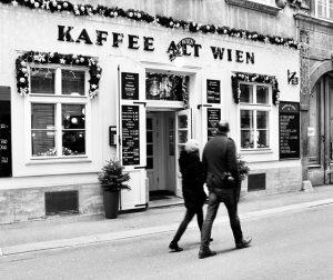 #vienna #wien #kaffeehaus ☕️🍰🥐 #urbanphotography #urbanstories #urbanbreezes #wien_love #365austria #living_europe #TopViennaPhoto #visitaustria #vienna_au #welovevienna #wonderlustvienna #viennascene #ViennaNow #vienna_online Vienna, Austria