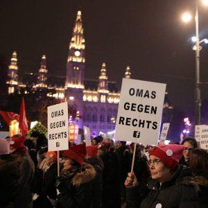 Jung und Alt heute bei den Demos gegen #wab18 #akademikerball #demonstration #demo Vienna, Austria